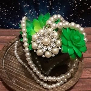 Jewelry - 🍁Pearl Necklace